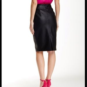 Tart Giada Faux leather  Pencil Skirt in Black
